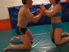 Sekarotuinen Wrestling vyöhykkeen