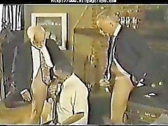 Gay пожилых мужчин - Ой Папа две гей-порно геи веселые камшотами проглотит шпильки краюху