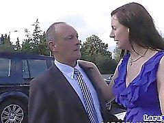 Elegant äldre bruden sm fingered av äldre kille