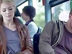 Martina Colina im Bus