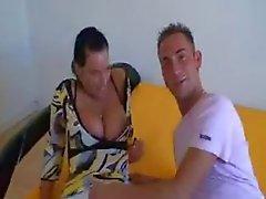 Brüste Amme betrügt ihren Freund