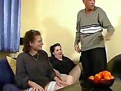 Del gangbang embarazado Alemán ( Milf 33of46 embarazada)