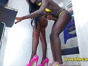Interracial monsterdick shemale fucks tranny webcam