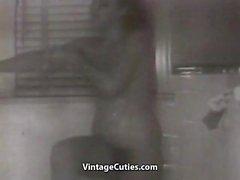Hungrigen Babysitterservice Eindringen in eine Cute Teen ( 1940er Jahre Klassiker )