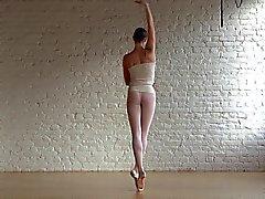 Flexibler Ballerina Annett und Nackt Klassische