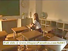 Miyu Hoshino Kiinan koulutyttö nauttii perseestä takaapäin