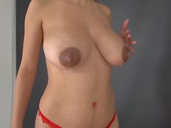 Latinas rebondissant les boobies