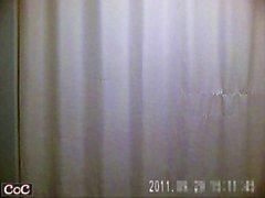 Piilotettavat kamerat kohteessa pukeutumishuone nappaa aasialaisia tytöt muuttamalla K