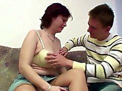 Den tyska Mamma lära liten pojke hur man knullar