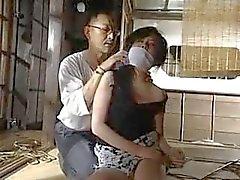 Japonés abandonado después de atado y amordazado