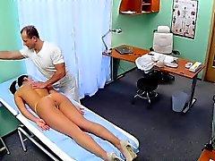 Masaje doctor y los fucks hermosos enfermera
