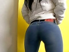 Cum su jeans