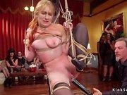 Orgia de escravos feminino fodido na festa
