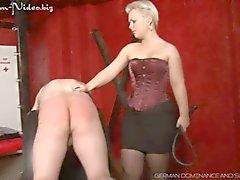 Lady Susan neemt haar slaaf echt moeilijk ( Outtake )