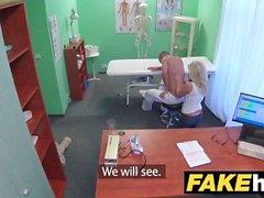 Sahte Hastanesi Büyük memeli azgın Milf kayropraktör masaj sonra doktor sikikleri
