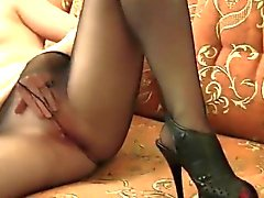 Dirty Girl Masturbates Bien que en collants