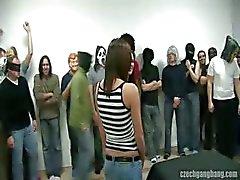 busty flickan vid Tjeckiens gang bang part