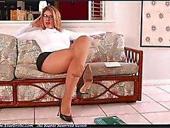 Elise - The Queen in pantyhose