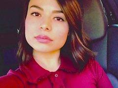 Miranda Cosgrove instagram photos branlent