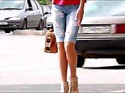 Sokakta yürürken girls - Bacaklar , Eşek ve Topuklar