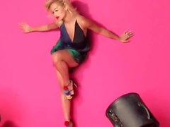 Rita Ora astiquer défi