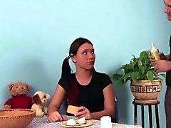 Styvbror att förföra Tysk steg - syster med fan kök