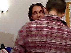 Italienska hustru gör narr med sin make