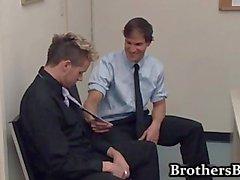 Brad scopata ed sega nella dell'ufficio dall'altro1