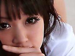 Japanin koulussa hyvännäköinen jossa iso karkea virhe POV style