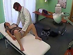 Teen Edita emer ve klinikte sikikleri