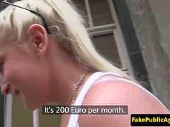 Euro babe baise un étranger pour de l'argent