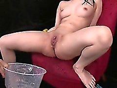 Hina Maedan Masturbates ja sillä on kolme Kaverit Kum For Her