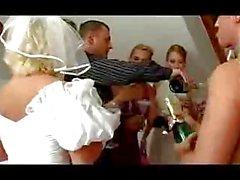 Orgies par les de soirée de mariage