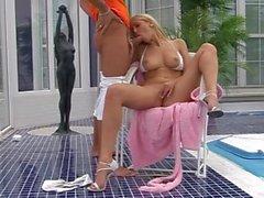 Regroupement Le Garçon se fait baiser par housewife