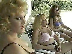 Трансвистит Группой Секс противный девушки на бассейна