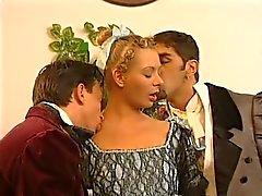 горячего горничной умоляет о двойное проникновение два мужчин