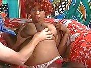 Pregnant Luder großen Boobs Milch