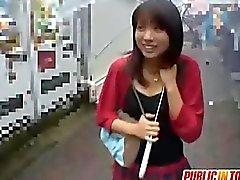 Haruka zum kotzen shlong im Treppenhaus