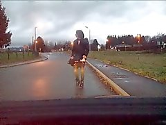 Crossdresser remove her skirt on the road