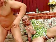 Mucho abuelita vieja busty a disfrutar del sexo calientes