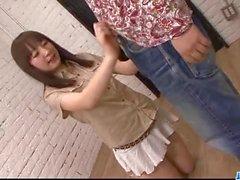 Hitomi Fujihara сосет вентили по Gangbang неприятные