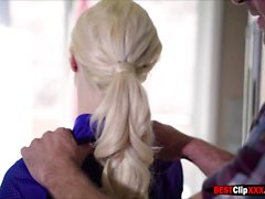 Doğal göğüsleri Elsa Jean sert horoz baştan