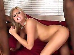 Kinky Stacey удовольствий две длинные членов