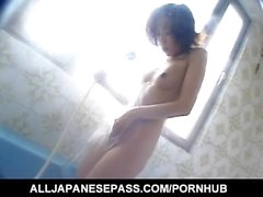 Yuka Takahashi naked fingers her love box