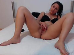 Camslut having a hot ass gets hard
