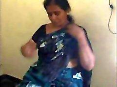 Hint olgun Tamil çıplak almak ve bj verir ve sevgilisi lanet bhabhi