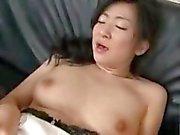 Asiatische dick Milf mit ihrem Sohn und sein Freund