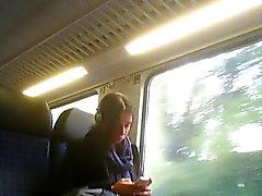 masturbation del público en tren, autobús
