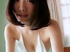 Японки детка Будучи Tease Стоимость не голая