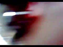 Bir porselen İngilizce amatör video ve bir İtalyan çocuk